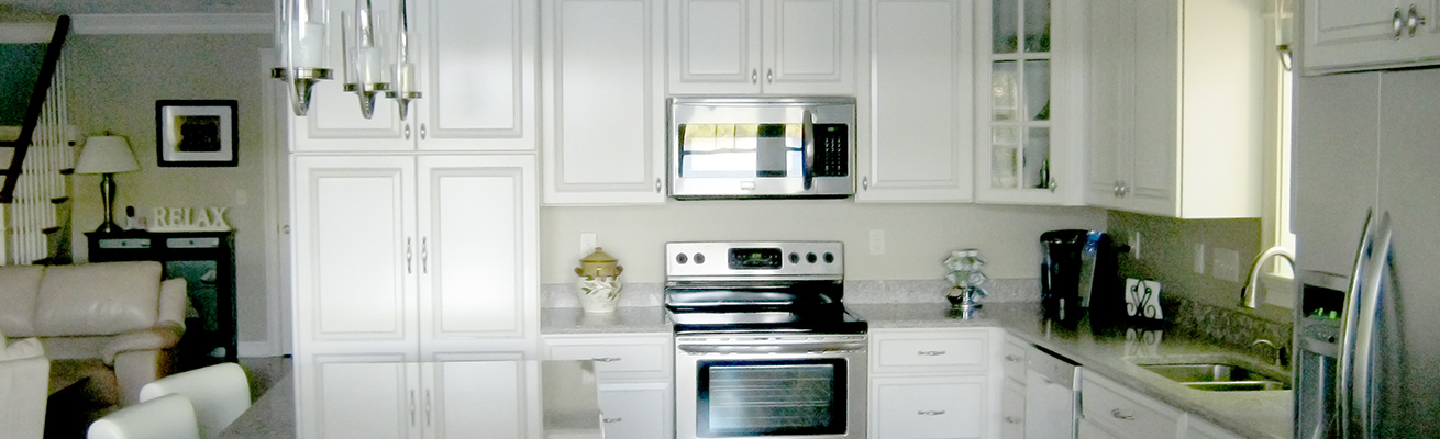 white-wood-cabinets-kitchen