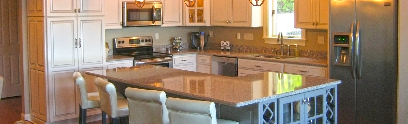 white-wood-cabinets-kitchen2